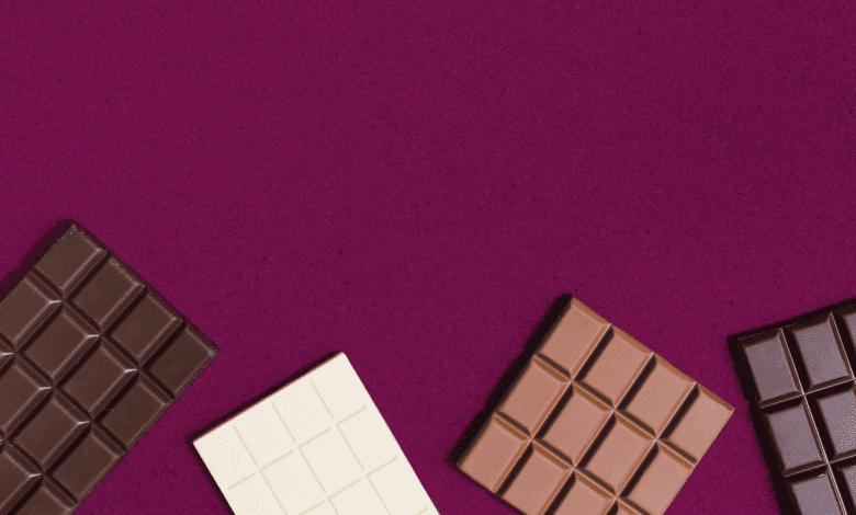 Imagem com várias barras de chocolate